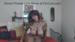 Muscular sexy seductive black mistress Temptress to obey