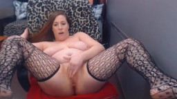 Curvy naughty Jenna with huge booty rubbing vagina