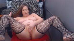 Curvy naughty Jenna with huge booty rubbing vagina