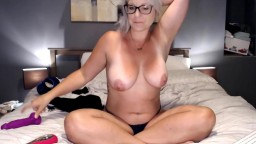 Mature goddess Violet in glasses that your fantasy about
