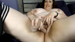 Curvy mature brunette Carlene who can cum over and over