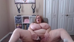 Heavy Suzie loves to have her unreal giant sized boobs sucked
