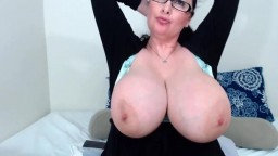 An experienced cam BBW Jen with huge natural juggs H size