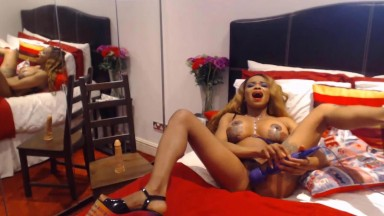 Saucy muscular Angelica Aphrodite gushes a chocolate twat
