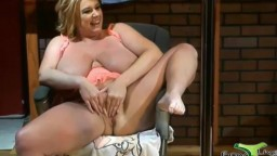 Celeb adultstar busty BBW old mom Zoey Andrews knows the best