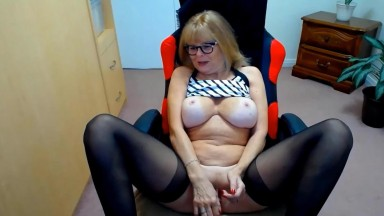 Red hot wife who taking guys to the edge over and over