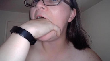 Awesome raven MILF Kitsy Wolf into anal action on fav cams