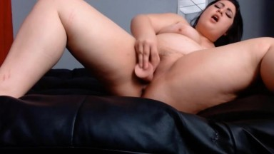 Plump Asian Mia Onyx is talented to make guy jizz in no time