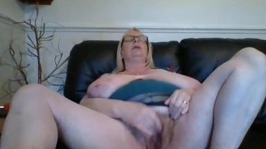Dirty talking Jade craves anything a little bit extra sexy