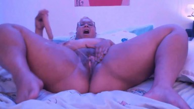 Chubby ebony Vivika Violet covers with splashes plump legs