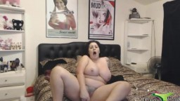 Curvaceous tattooed cougar Paige London for your pleasure