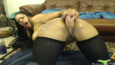 Horny black MILF Hola squirting her big vagina after DP